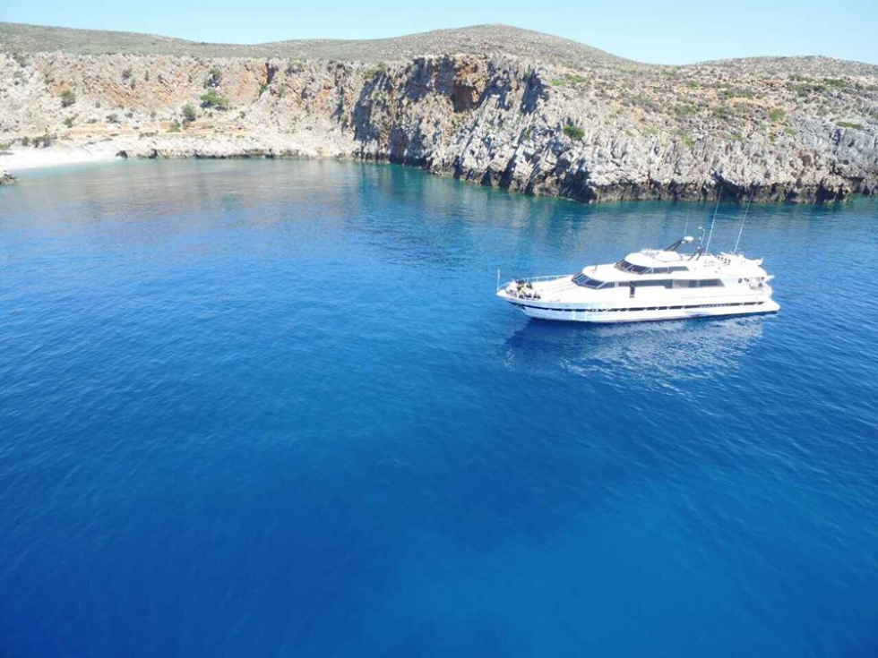 Corporate and Private Luxurious Cruises